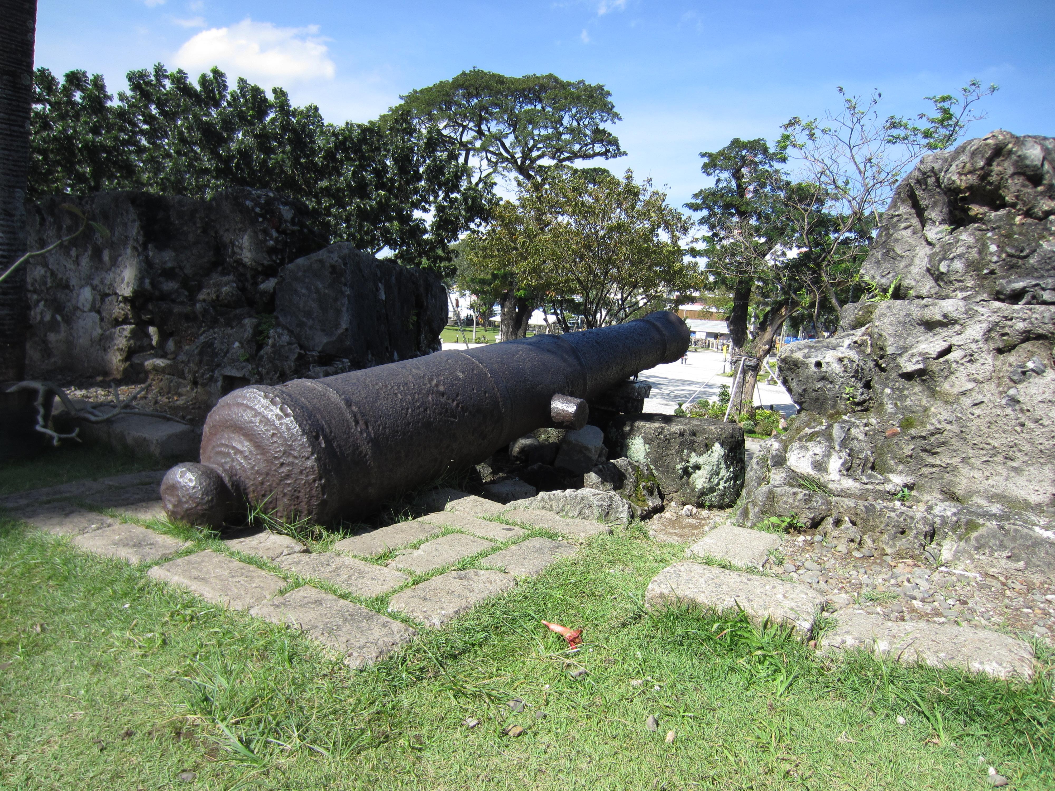 Fort San Pedro, Cebu, Philippines, cannons, Spanish fort